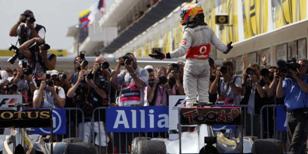 Hamilton gana el Gran Premio de Hungría y Alonso acaba quinto