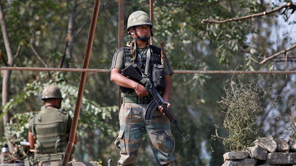 India eleva la tensión con Pakistán con 'bombardeos quirúrgicos' en la frontera