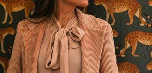 Post de Lourdes Montes dice sí a la pana con este dos piezas perfecto para ir a trabajar