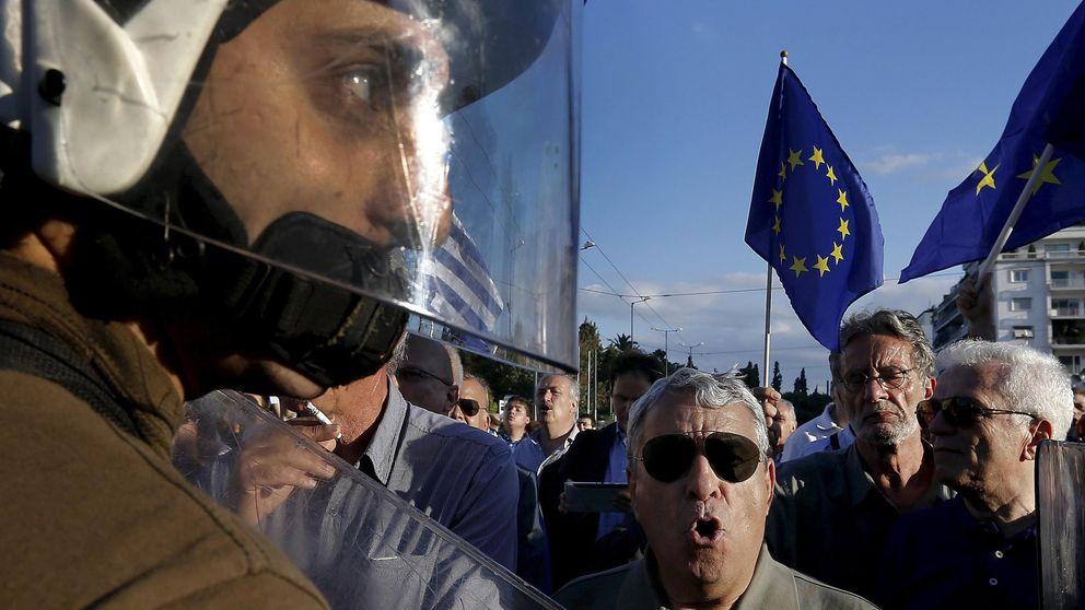 Tsipras vira hacia el centro tras destrozar la unidad de la izquierda