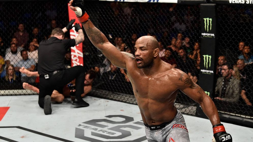 Foto: Yoel Romero noqueó a Luke Rockhold, pero se quedó sin cinturón. (Foto: UFC)