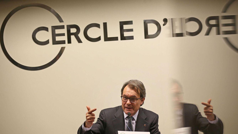 Foto: El presidente de la Generalitat, Artur Mas, durante una conferencia en el Círculo de Economía. (Efe/Toni Albir)