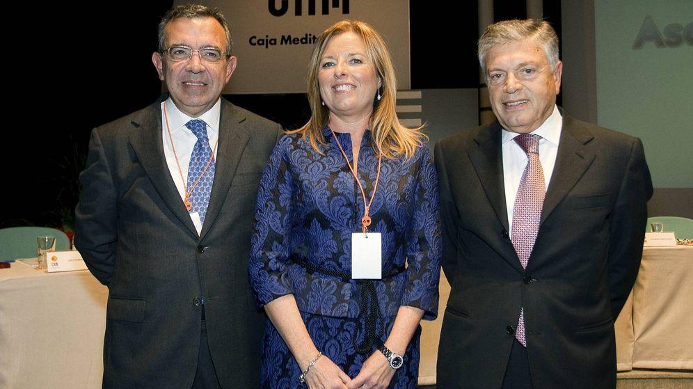 Foto: María Dolores Amoros, Roberto López (i) y Modesto Crespo en una imagen de archivo (EFE)