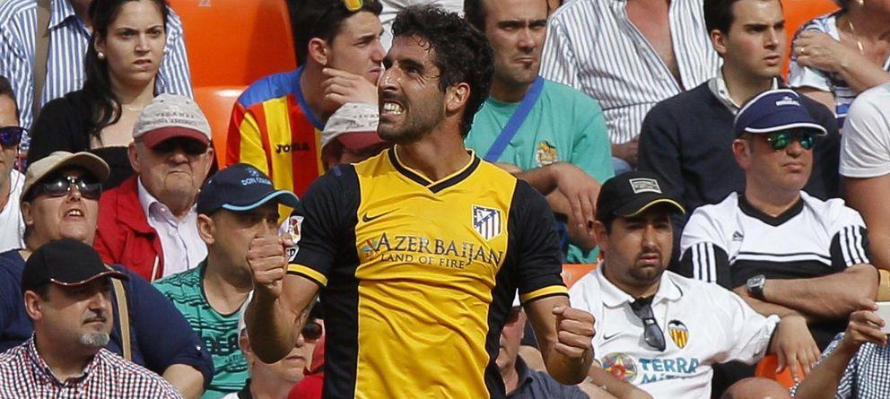 Foto: Raúl García celebra su gol en Mestalla que valió tres puntos para su equipo.