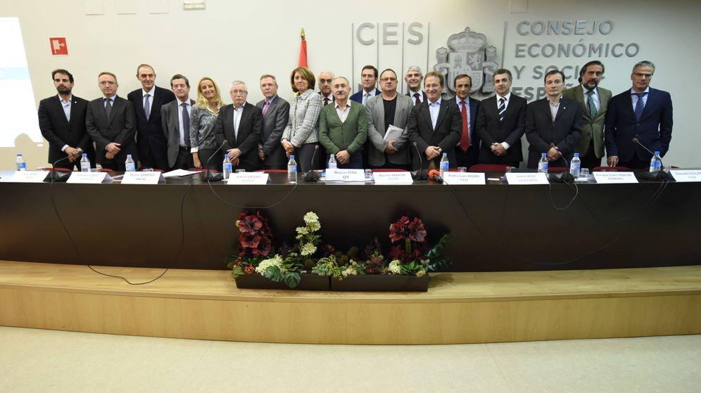 Foto: Firmantes del Pacto de Estado por la Industria. (EC)