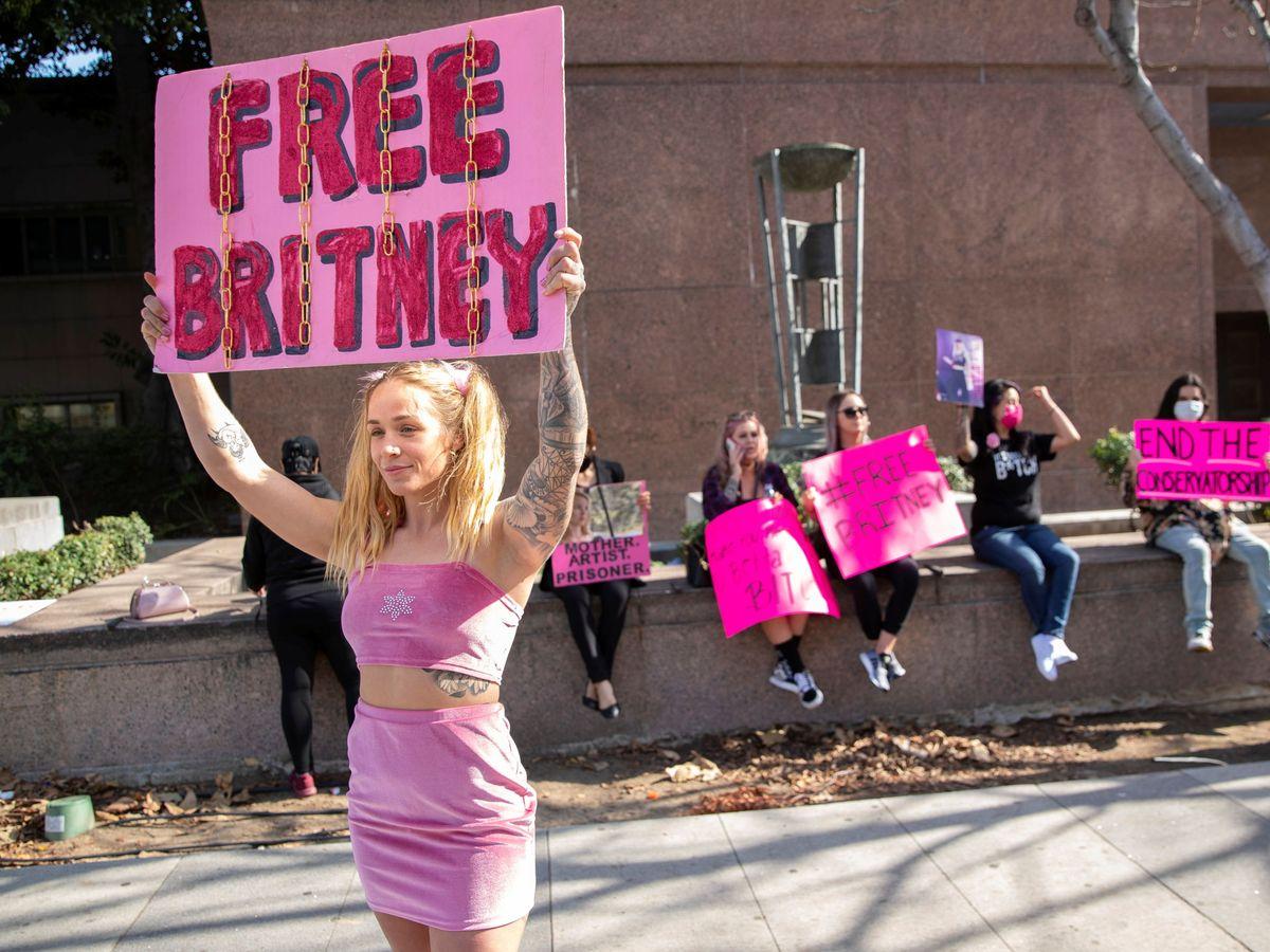 Foto: Protestas en Los Ángeles en contra de la tutela legal ejercida por Jamie Spears. (Reuters)