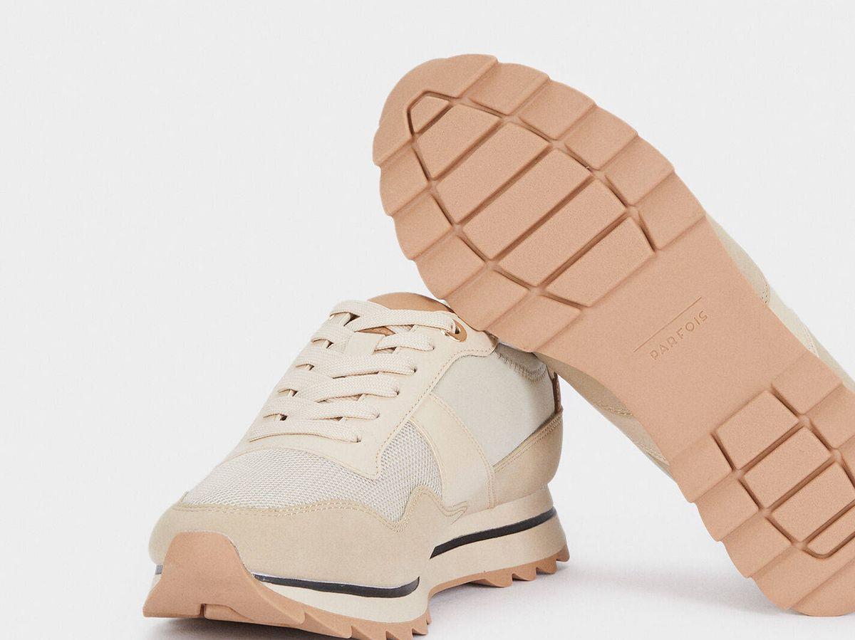 Foto: Zapatillas deportivas de Parfois. (Cortesía)