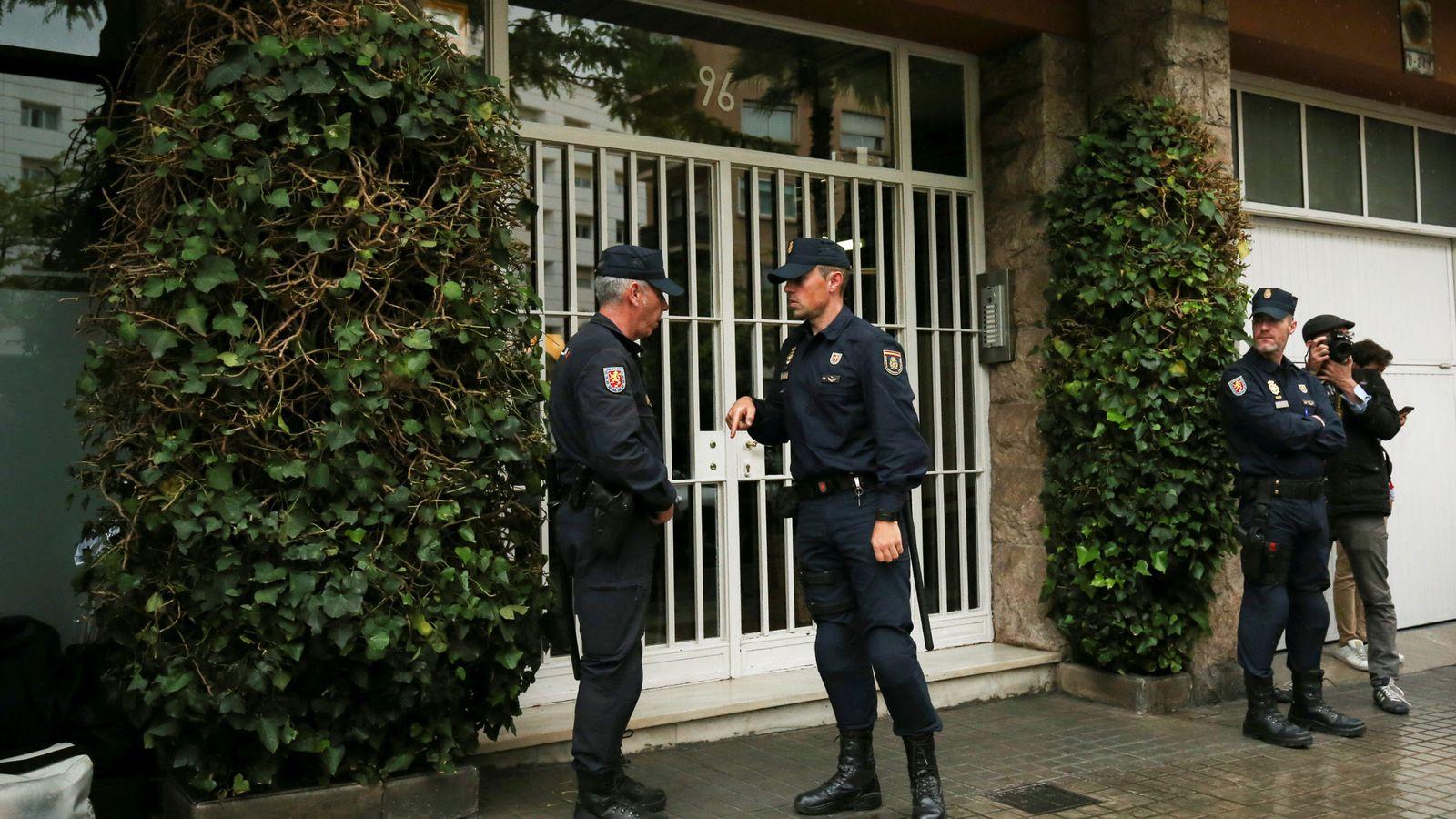 Foto: La Policía registra el domicilio familiar y el despacho del expresident Jordi Pujol. (Reuters)