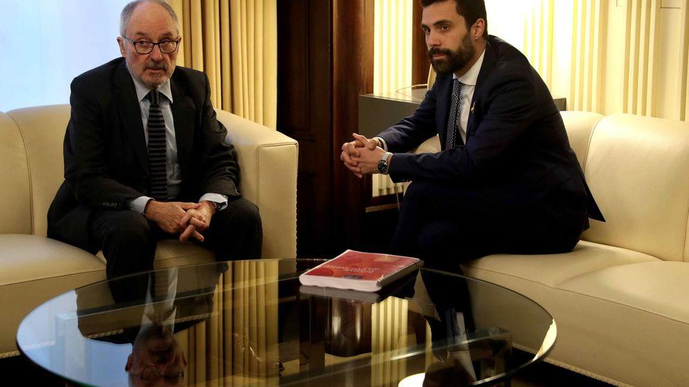 Foto: El 'síndic de Greuges', Rafael Ribó, con Roger Torrent. (EFE)