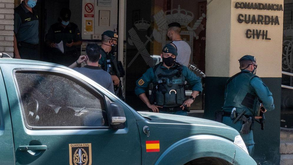 Foto:  Agentes de la Guardia Civil (EFE)
