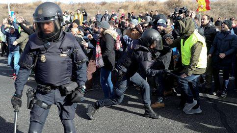 Huelga de taxis en directo | 11 heridos y un taxista detenido por cortar la M-40