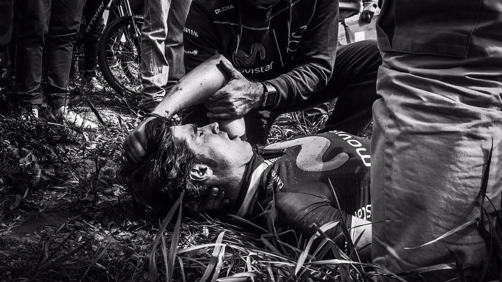 Foto: Ventoso, en el suelo tras sufrir el accidente (Rafael Medina Abascal)