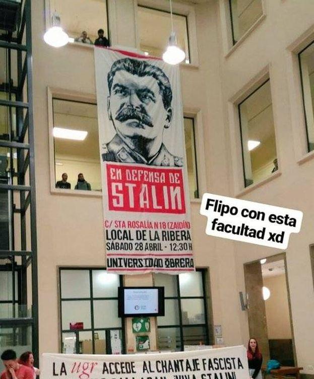 Foto: El cartel que anuncia la nueva ubicación de la charla, en protesta por su cancelación en la UGR (@aruizcapilla)