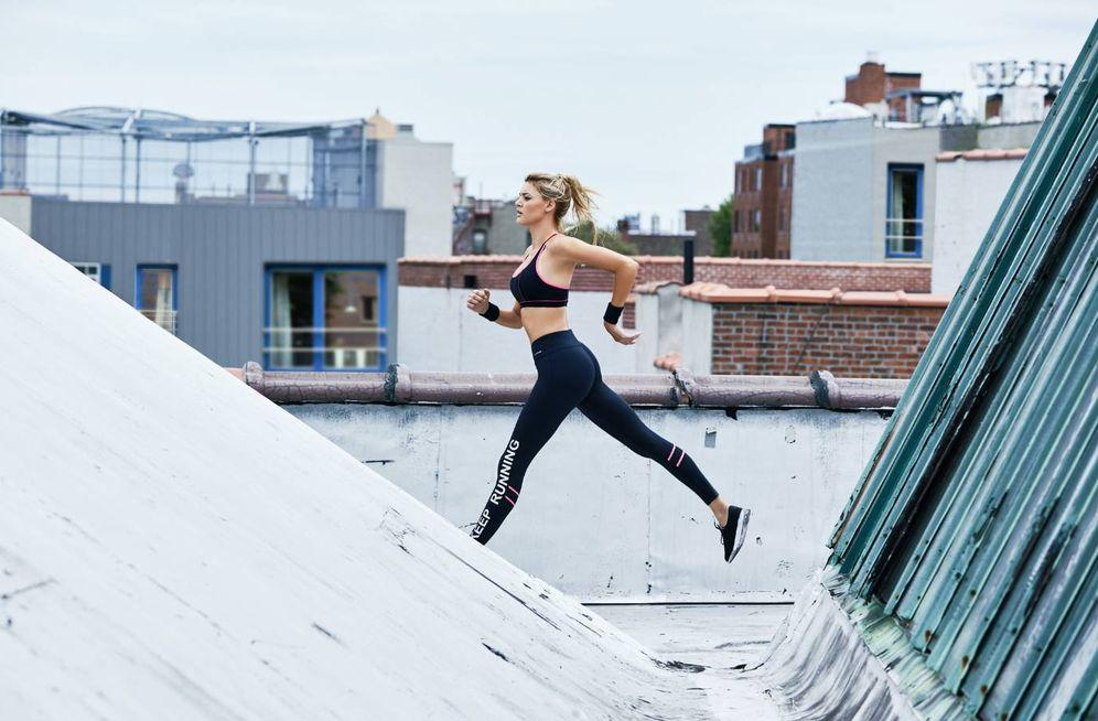 Foto: Antes de ponerte a entrenar hay que calentar sí o sí. (Foto: Calzedonia)