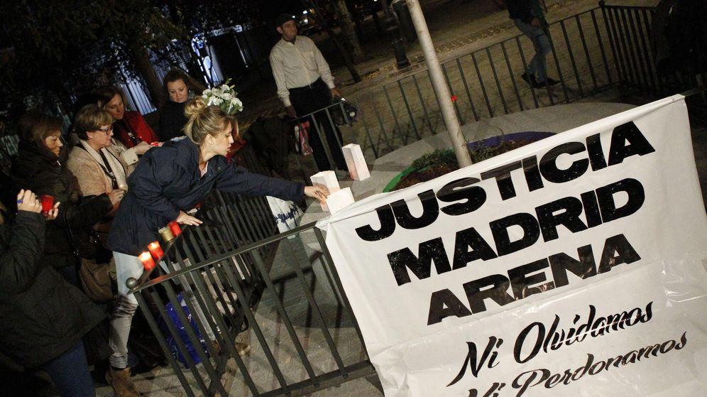 Foto: El pasado 30 de octubre, allegados y amigos de las cinco víctimas mortales de la fiesta de Halloween del 1 de noviembre de 2012 celebraron una vigilia. (EFE)