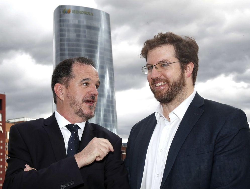 Foto: Carlos Iturgaiz y Luis Gordillo, el nuevo parlamentario por la coalición de PP y Cs. (EFE)