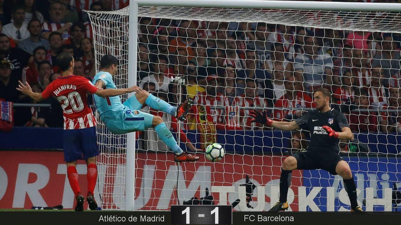 Foto: Luis Suárez empató de cabeza con un gol en el minuto 81. (Reuters)