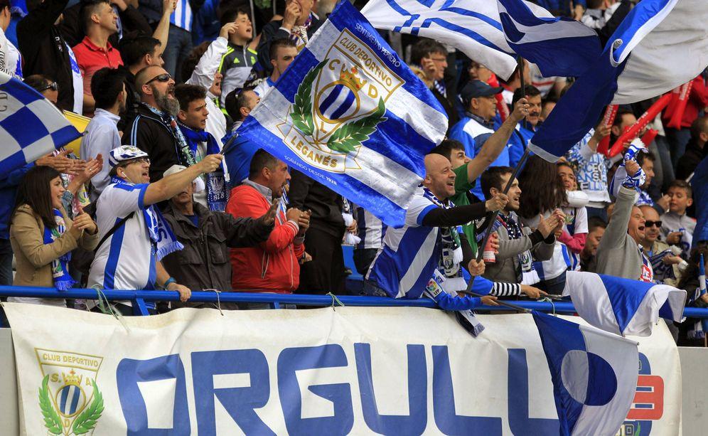Foto: Leganés en pleno vive con nervios y pasión el estreno en Primera del equipo del sur de Madrid. (EFE)