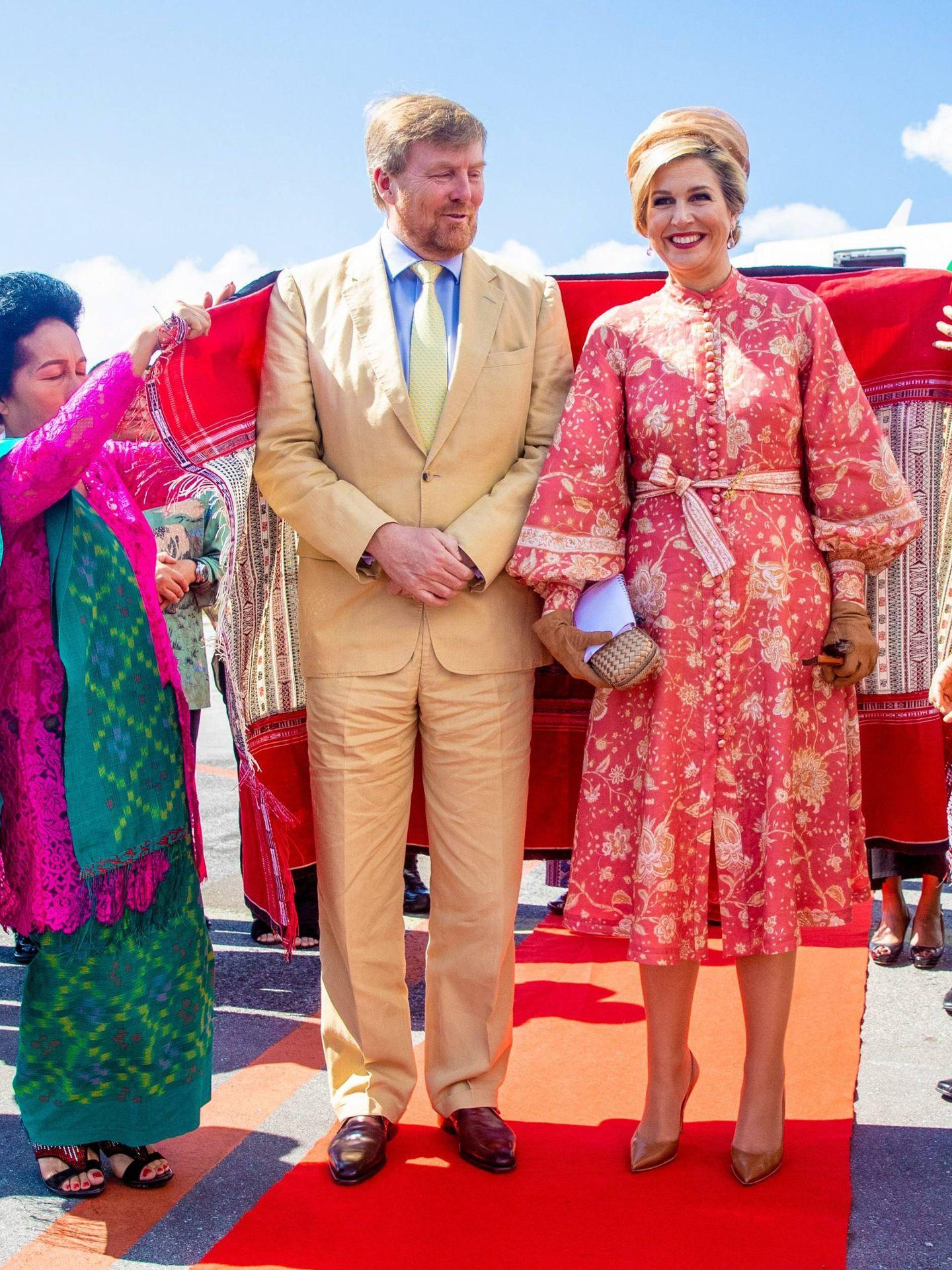 Los reyes de Holanda en Indonesia.  (Cordon Press)