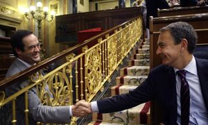 Foto: Zapatero ordenó abrir una investigación interna sobre Bono para acabar con su carrera política