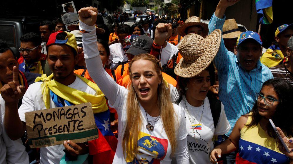 Foto: Lilian Tintori, esposa de Leopoldo López, en la celebración de los 100 días de protestas. (Reuters)
