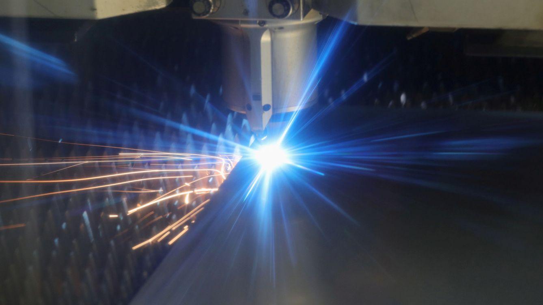 Tijeretazo en la subasta que bonifica a la gran industria en el precio de la luz