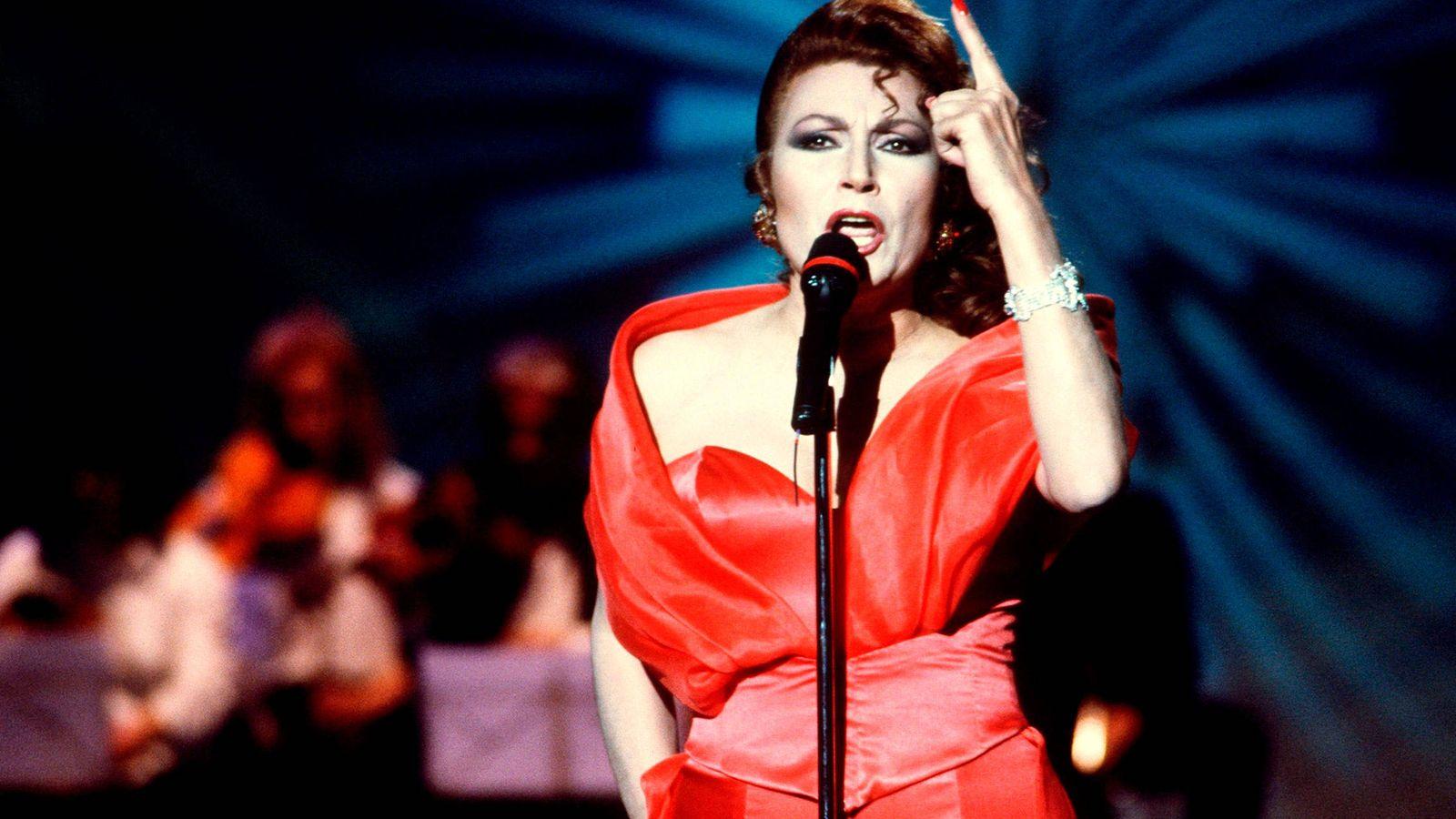 Foto: Rocío Jurado, en una actuación. (EFE)