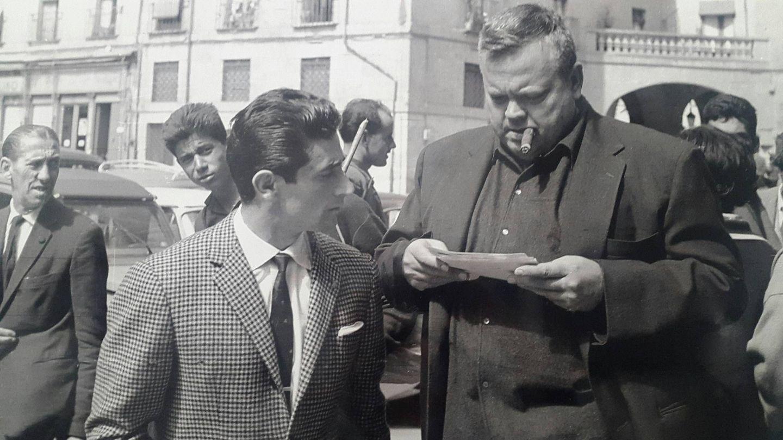 Orson Welles con el matador Andrés Vázquez.