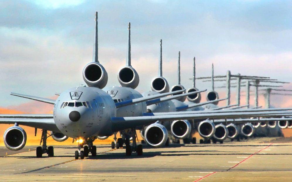 Foto: Decenas de aviones de la USAF KC-10A de repostaje en el aire. (Foto: USAF)