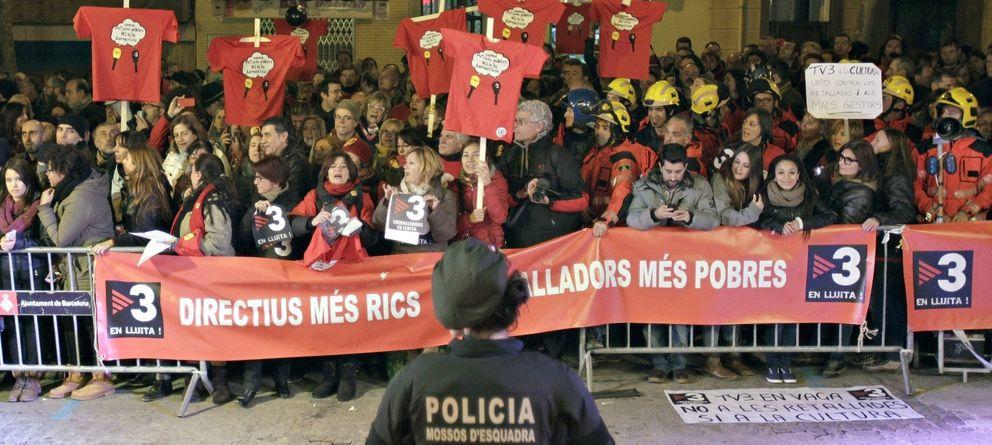 Foto: Protestas de los trabajadores de TV3. (EFE)