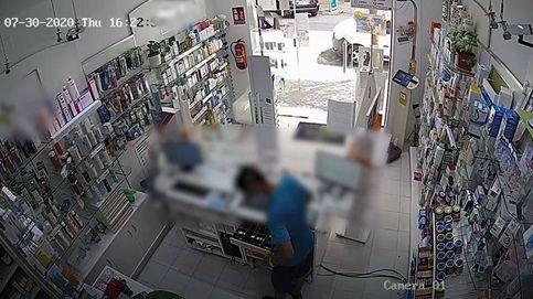 Detienen a un ladrón de farmacias de Madrid que atracaba a punta de cuchillo pero siempre con la mascarilla puesta