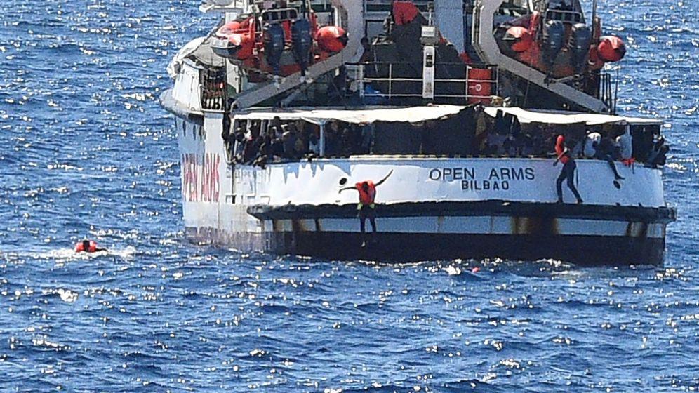 Foto: Open Arms cerca de Lampedusa (Reuters)