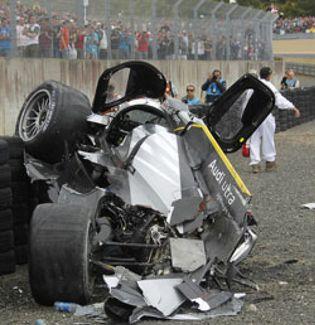 Foto: Allan McNish sobrevive a un violento accidente en Le Mans