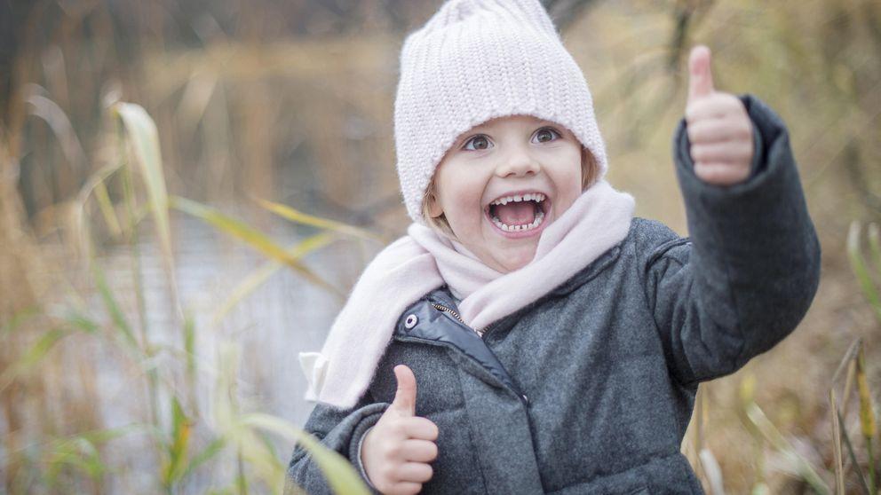 Estelle de Suecia, la heredera más fotogénica, se divierte en el parque