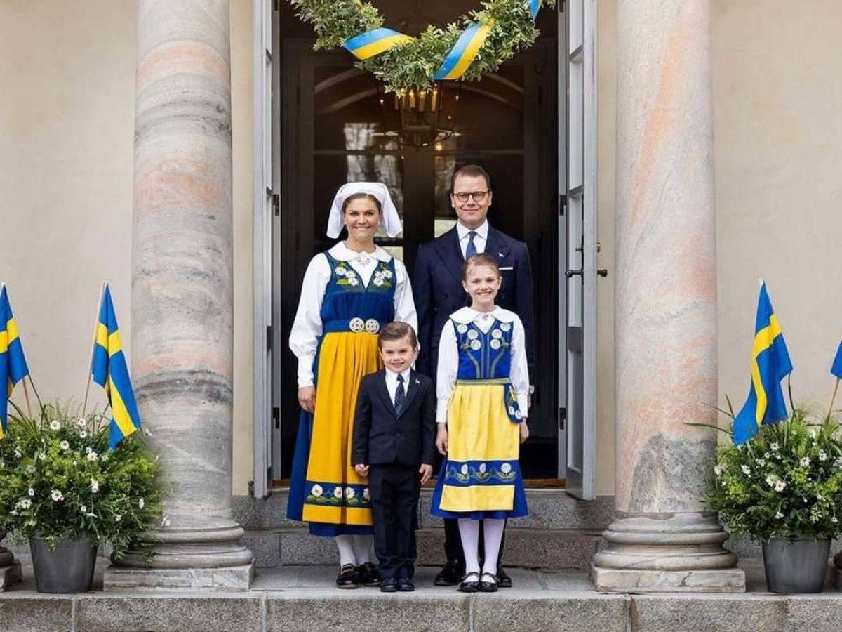 Foto: Victoria y Daniel de Suecia con sus hijos, Oscar y Estelle. (IG)