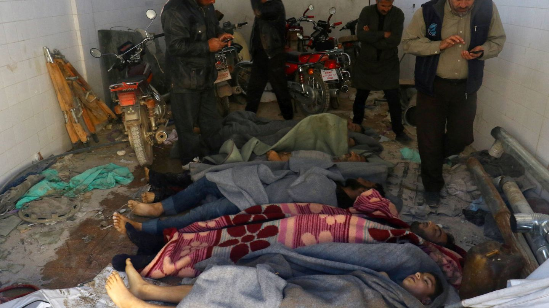 Víctimas del ataque con armas químicas al pueblo de Jan Sheijun, en la zona rebelde de Idlib, Siria. (Reuters)