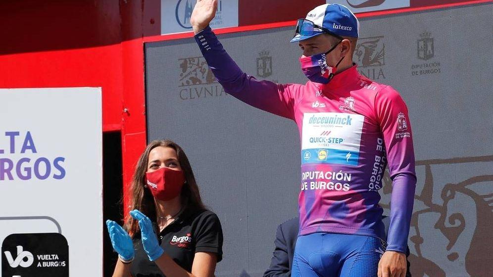 Foto: Remco Evenepoel, en el podio final de la Vuelta a Burgos.