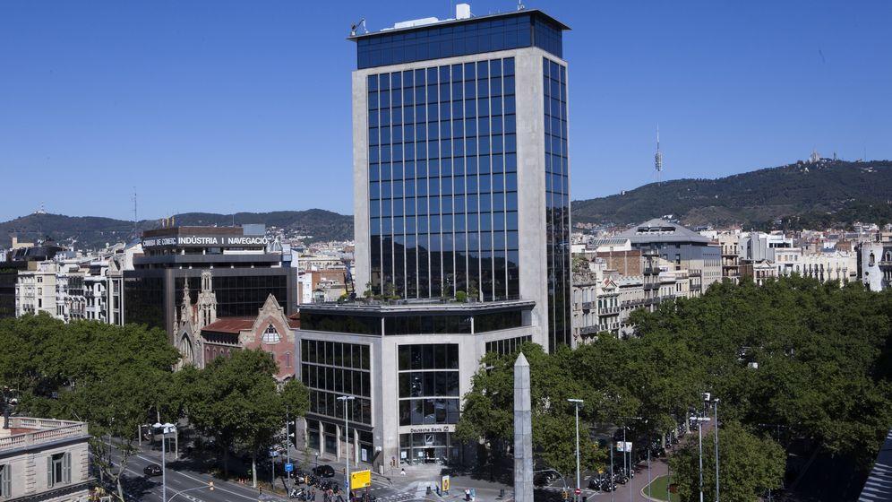 Foto: El edificio de 20 plantas situado en el número 111 del emblemático Passeig de Gràcia de Barcelona.