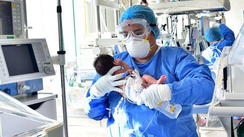 Cuarenta bebés se han contagiado de covid-19 en su primer mes de vida