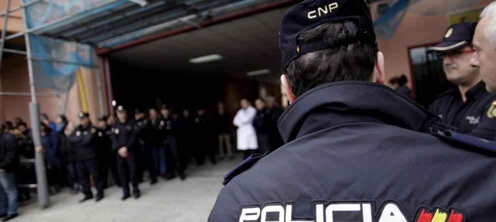 Foto: Agentes del Cuerpo Nacional de Policía (EFE)