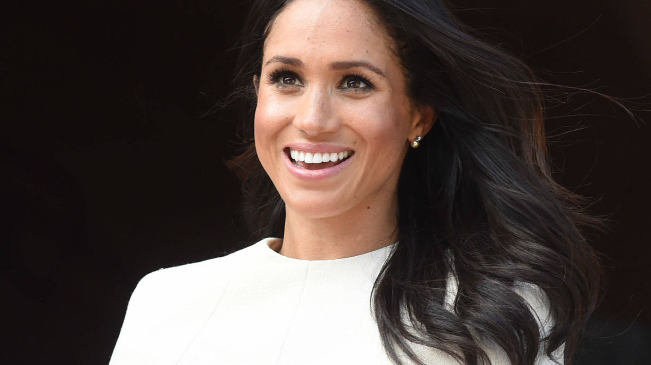 Foto: The Duchess Of Sussex Undertakes Her First Official Engagement With  Queen Elizabeth II