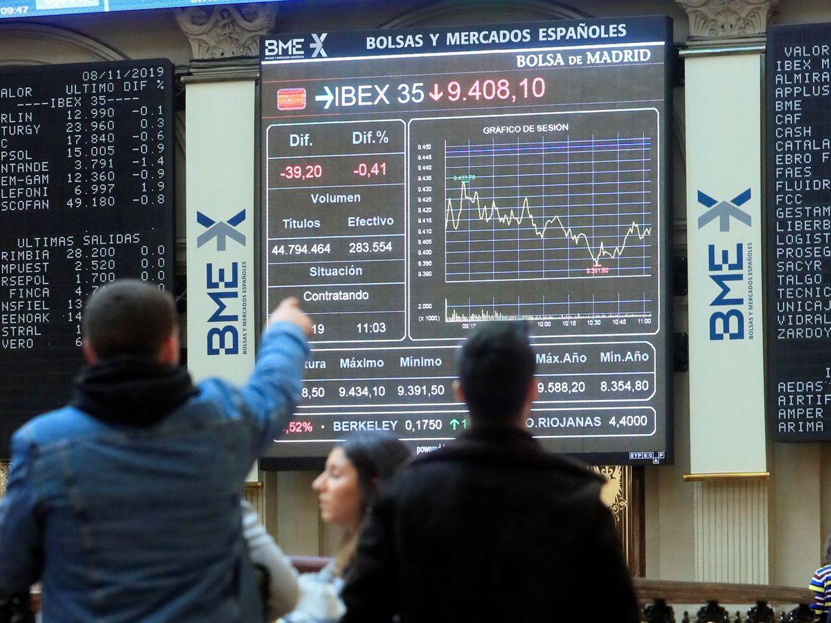 Foto: Pantallas en la Bolsa de Madrid. (EFE)