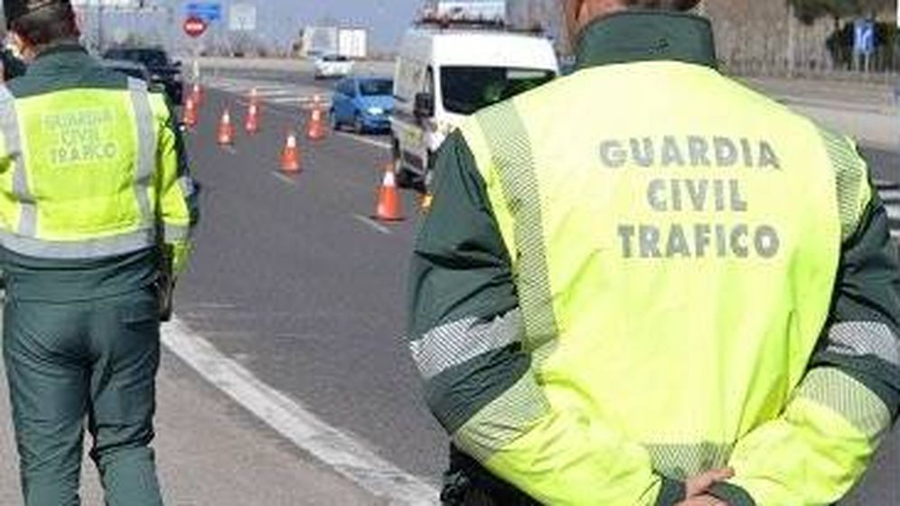 Foto: Agentes de la Guardia Civil de Tráfico (DGT)