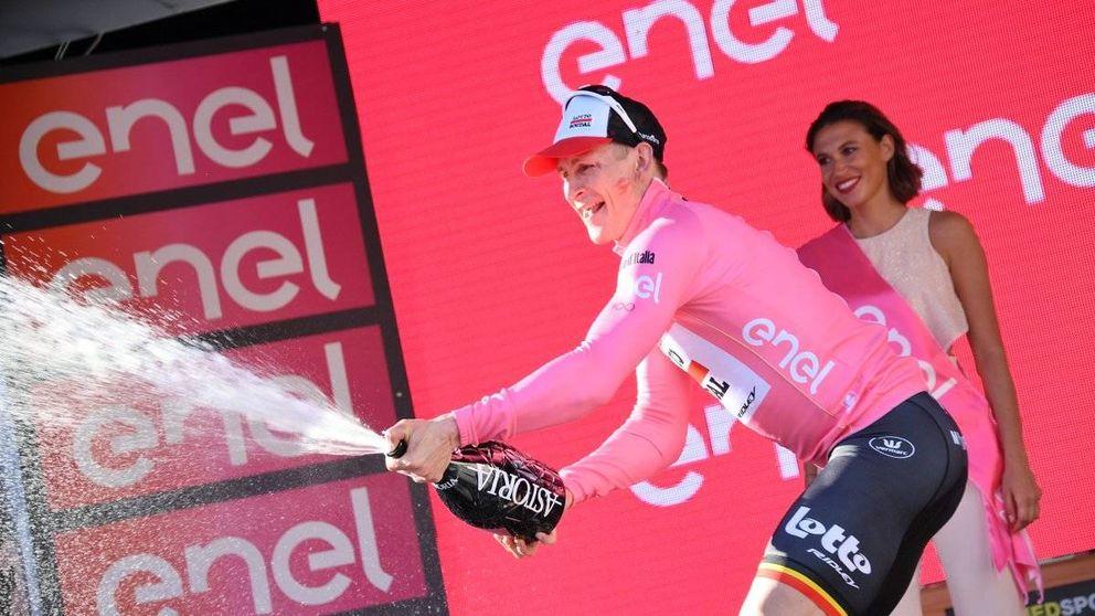 Greipel empieza a imponer la ley del más fuerte y se viste la 'maglia rosa'