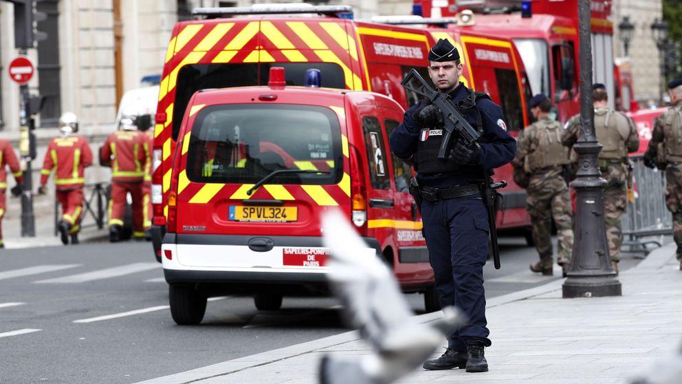 Cuatro muertos en un asalto con un cuchillo a una comisaría en París