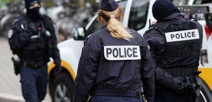 Post de Mata de un tiro a un camarero en París por