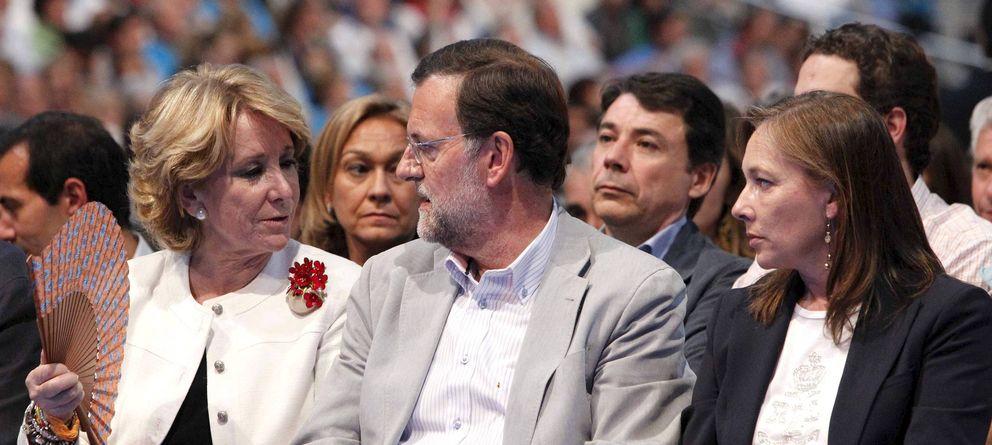 Foto: Esperanza Aguirre y Mariano Rajoy, en 2011. (Efe)