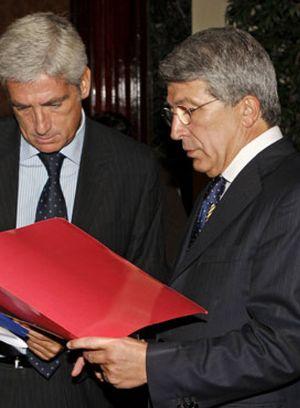La UEFA aplaza la sanción del Calderón y la de Aguirre
