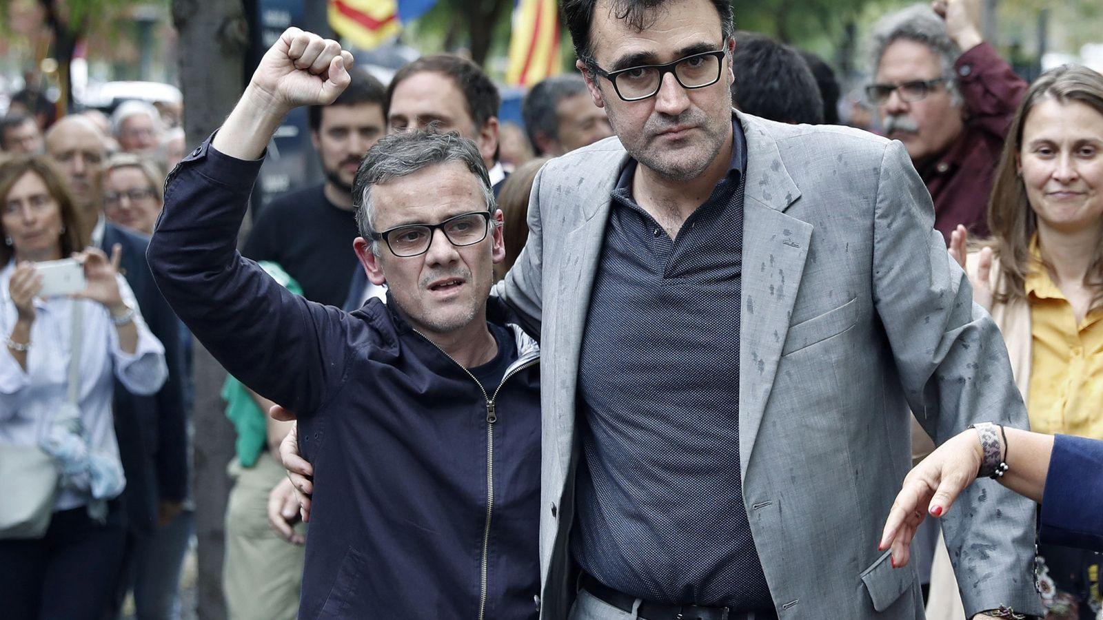 Foto: Elex secretario general de Hacienda de la Generalitat Lluís Salvadó (d). (EFE)