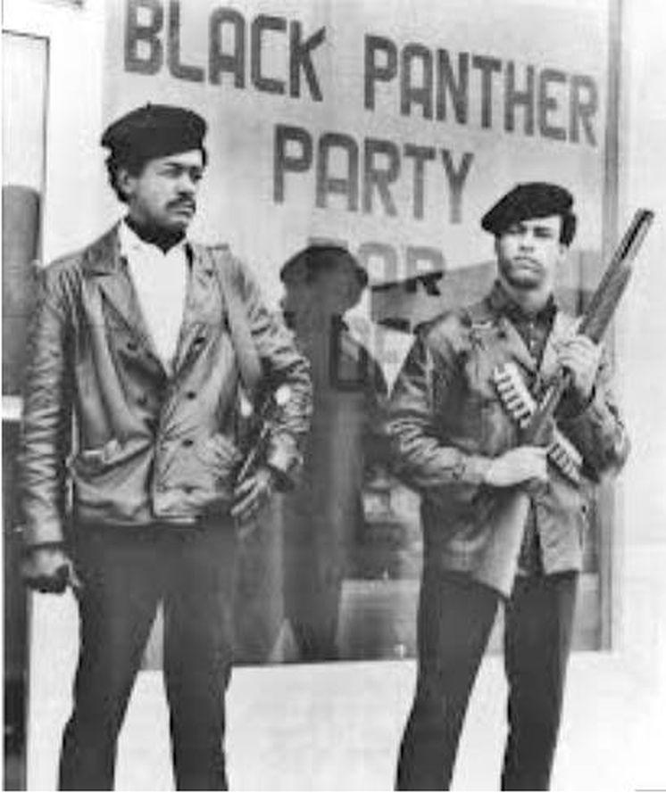 Foto:  Miembros del partido de los Panteras Negras.
